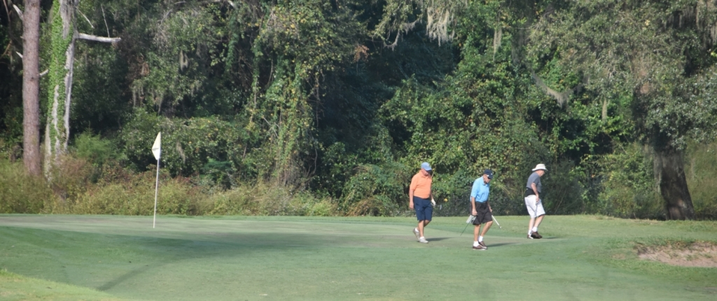 members enjoy a round at Lakeside